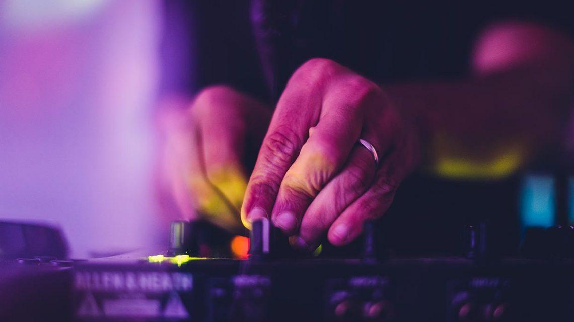 Comment choisir un dj événement Bordeaux?